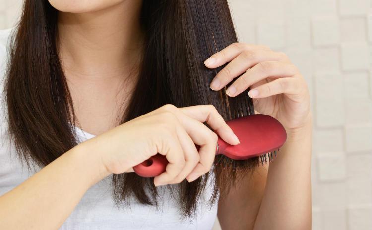 髪がパサパサ…潤うツヤ髪に必要な栄養素