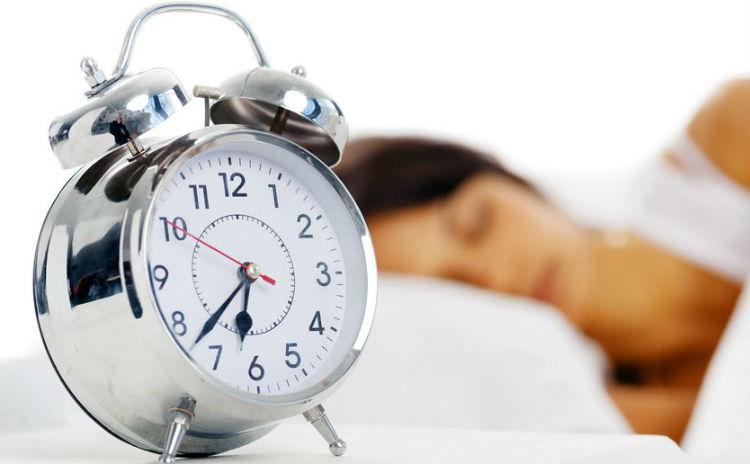 睡眠不足で疲れが取れない。ぐっすり眠れる睡眠不足解消法