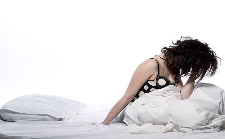 真冬なのに寝汗がじっとり…更年期障害からの寝汗対処法