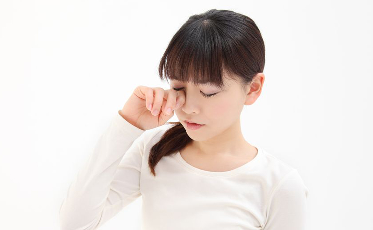 目薬を使い過ぎていませんか? 眼精疲労は生活習慣の見直しを